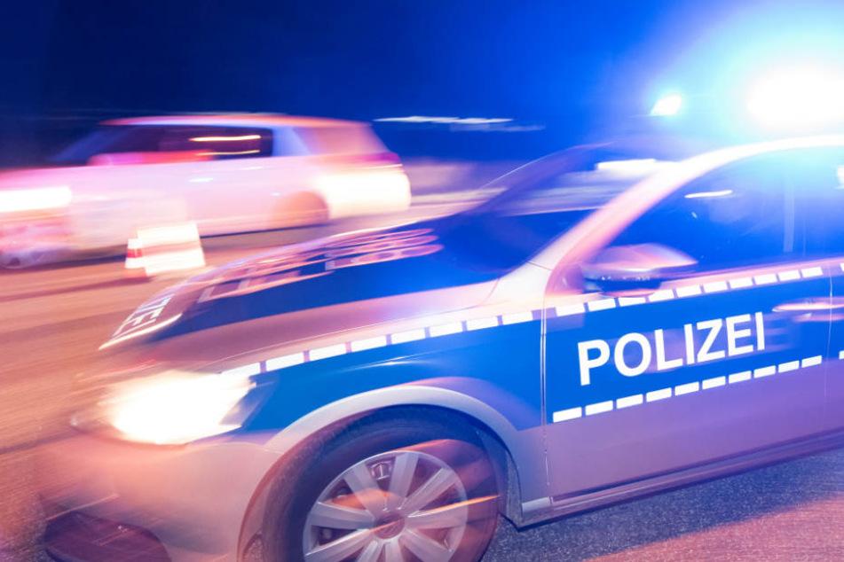 Die Polizei war schnell vor Ort, doch die Täter waren bereits geflohen (Symbolbild).