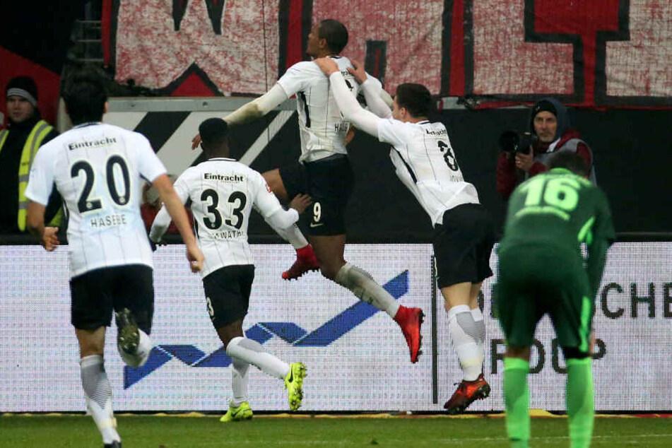 Sebastien Haller erlöste die Eintracht nach einer umkämpften Partie mit seinem Siegtreffer.