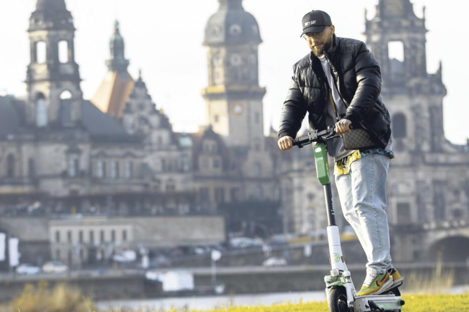 Schon über 400 Kilometer abgeschrubbt: Dieser Typ ist der E-Scooter-Meister von Dresden