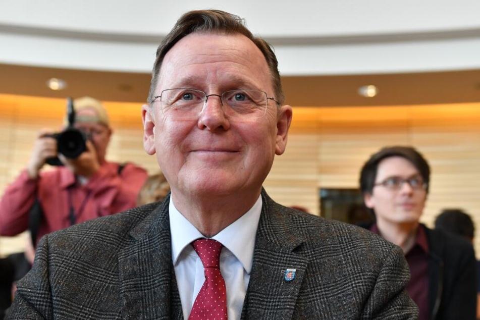 Bodo Ramelow (Die Linke), amtierender Ministerpräsident von Thüringen, sitzt vor der Wahl des neuen Ministerpräsidenten im Landtag.