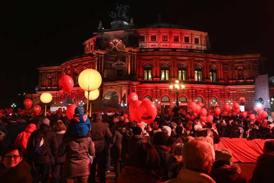 Wegen Eklat um SemperOpernball: Auf dem Theaterplatz droht Protest