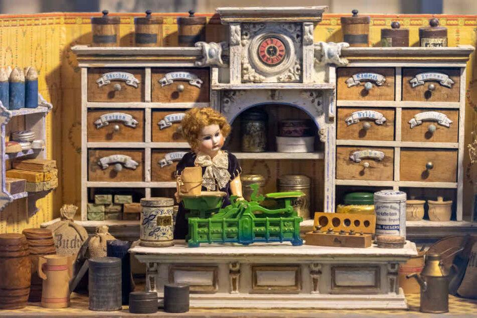 Der älteste Kaufmannsladen aus dem Jahr 1875 kommt aus Marienberg.