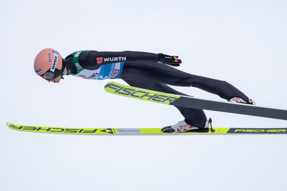 Bravourös gemeistert: Geiger springt in der Quali auf Platz 1.