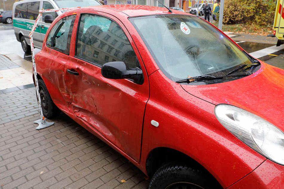 Der Nissan war an der Kreuzung Lützowstraße/ Zwickauer Straße in einen Unfall verwickelt.