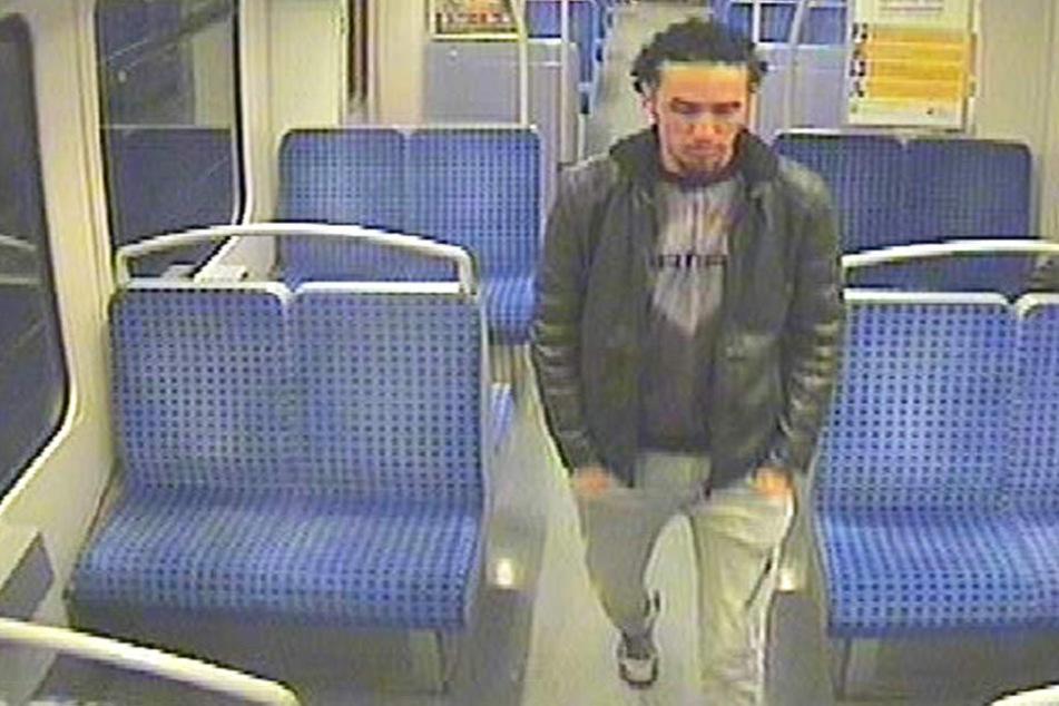 Dieser Tatverdächtige soll vor zwei schlafenden Frauen in der S-Bahn onaniert haben.