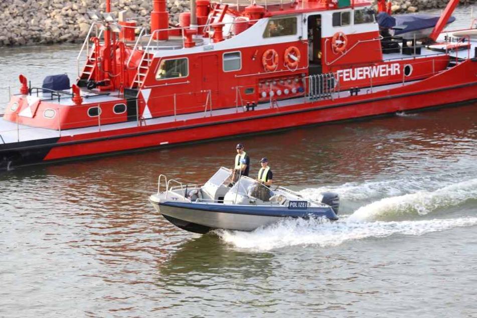 Feuerwehr und Polizei suchten die Vermissten im Rhein, fanden aber niemanden.