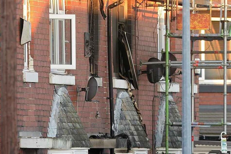 Bei dem Brand kamen drei Kinder ums Leben. Die Polizei ermittelt wegen Mordverdachts.