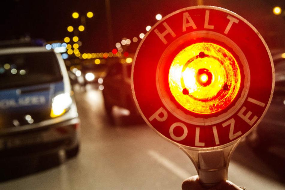 Mann fährt illegales Rennen - und verletzt auf filmreifer Flucht eine Polizistin