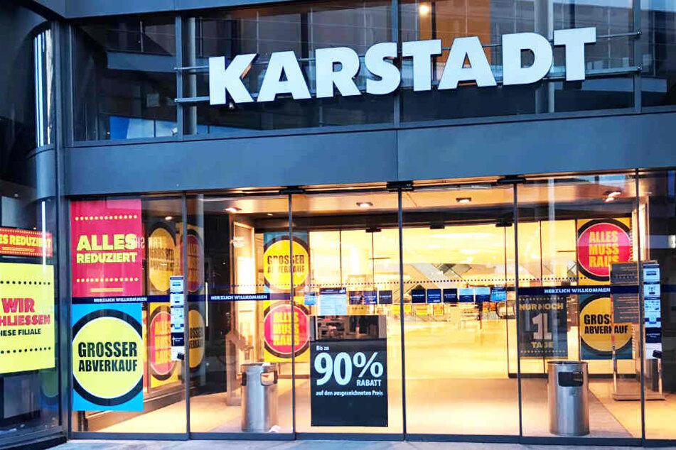 Bis zu 90 Prozent Rabatt gibt es am letzten Tag des Einkaufszentrums in der Innenstadt.