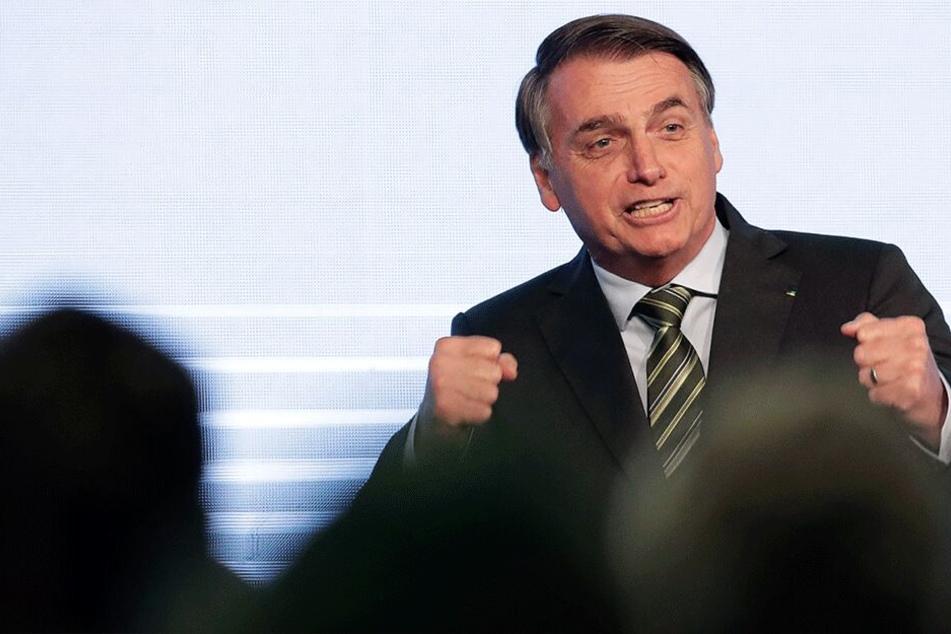 Jair Bolsonaro bei einer Rede vor dem brasilianischen Stahlkongress. Der Präsident will die Umweltregulierung im Land schwächen.