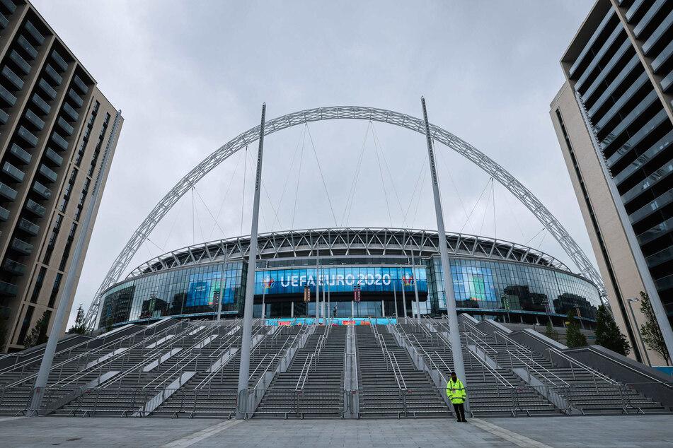 Am Abend werden 45.000 Fans im Stadion dabei sein, doch nur ein minimaler Bruchteil deutscher Anhänger.