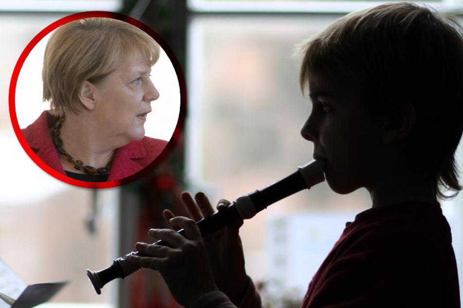 Mit Gebeten und Musik gegen die Krise? Kanzlerin Angela Merkel (62, CDU, li.) besinnt sich auf das C in CDU...