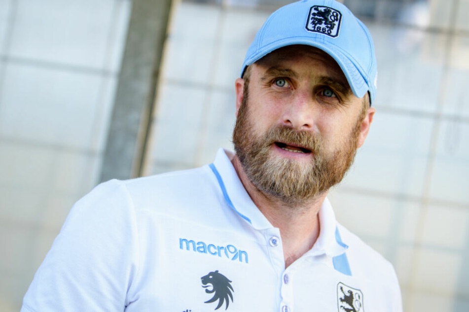 Löwen-Trainer Daniel Bierofka hat seine Mannschaft gelobt und blickt positiv nach vorne. (Archivbild)