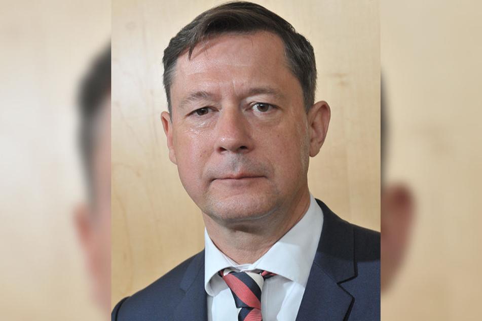 Stadtrat Andreas Schmalfuß (51, parteilos) kritisiert das weitere Vergammeln der Infrastruktur.