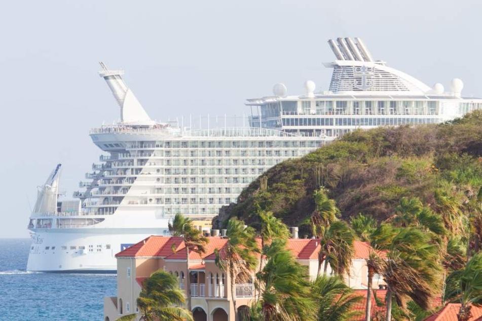 Paar wird wegen medizinischem Notfall während Reise von Kreuzfahrtschiff geschmissen