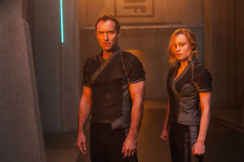 Yon-Rogg (Jude Law) und Carol Danvers alias Captain Marvel (Brie Larson) trainieren für den Ernstfall.