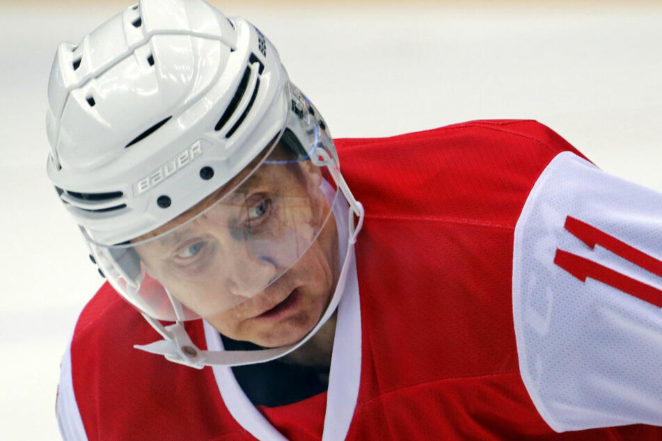 Russlands Präsident Wladimir Putin (64) spielt wieder Eishockey.