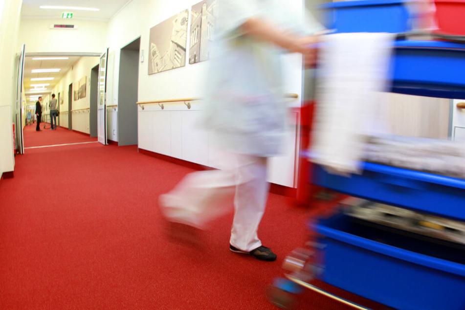 Mitarbeiter nach Zahl der gereinigten Zimmer bezahlt? Reinigungsfirma bei Razzia im Visier