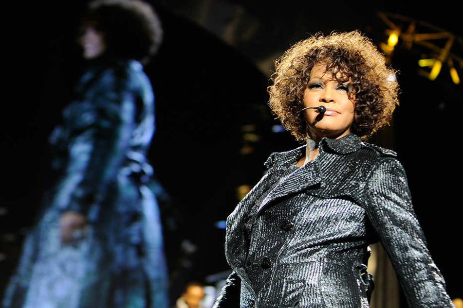 Im Jahr 2012 wurde Whitney Houston tot in einer Badewanne gefunden. Es war das traurige Ende