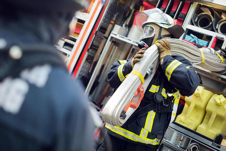 Mutter und Kind bei Brand in Wohnung verletzt