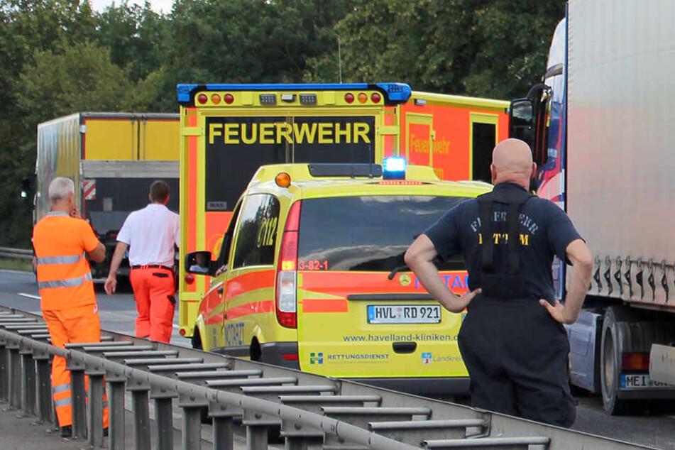 Die A10 musste in Richtung Magdeburg von drei auf eine Fahrspur verengt werden. (Symbolbild)