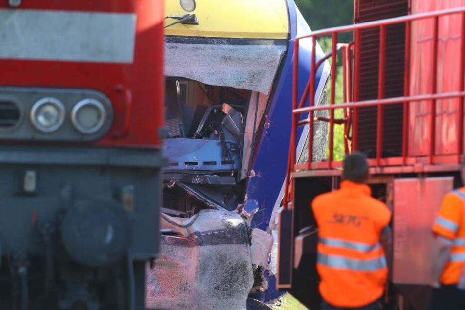 Bei dem Zugunglück in Aichach verloren zwei Menschen ihr Leben. (Archivbild)