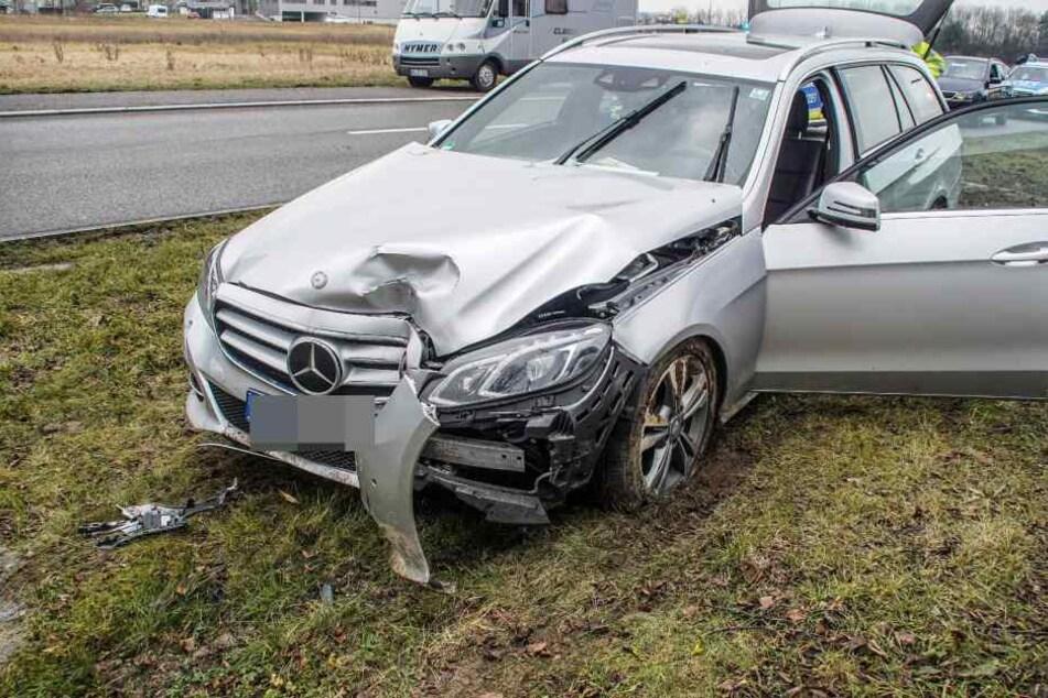 Wohl zu tief ins Glas geschaut hatte dieser Mercedesfahrer am Samstagvormittag.