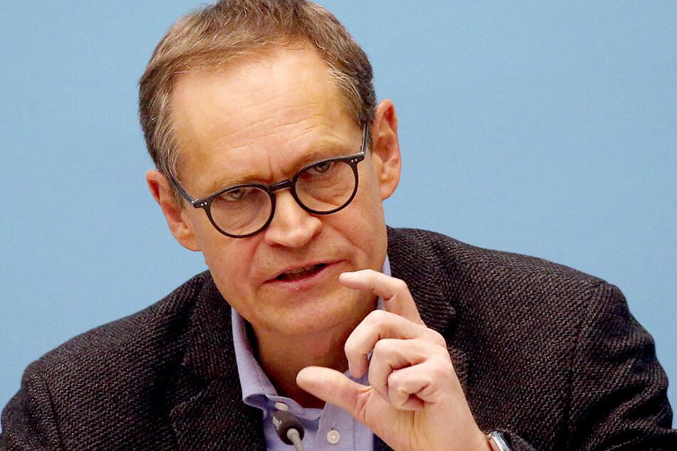 Michael Müller (56, SPD) plant Schulöffnungen für den 22. Februar.