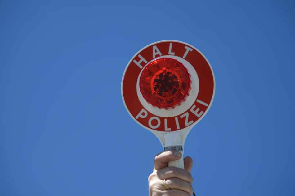 Am Sonntag haben Polizisten in Neuenburg einen Autofahrer ohne Führerschein erwischt. Seine Erklärung verblüfft. (Symbolfoto)