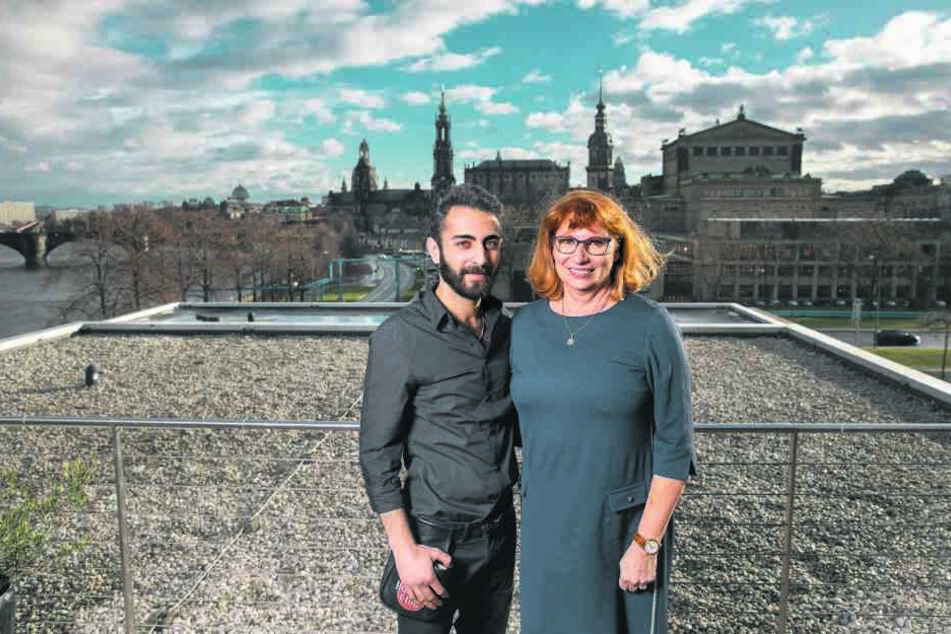 Vorweihnachtliches Wiedersehen auf der Terrasse des Landtagsrestaurants: Ministerin Petra Köpping und Khaled Tabanja.