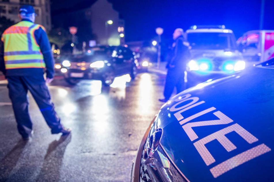 Am Tatort fand die Polizei den Mann und nahm den Tatverdächtigen fest. (Symbolbild)