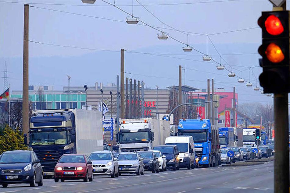 Aktuell ist die Mindener Straße in beide Fahrtrichtungen jeweils zweispurig.