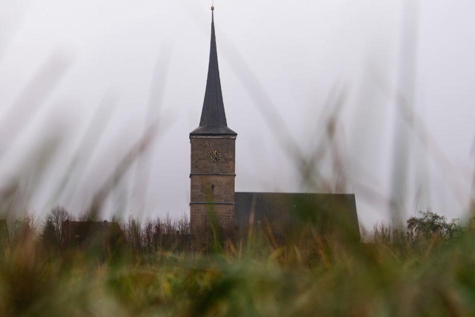 Ein Antrag auf Segnung homosexueller Paare wurde im vergangenen Jahr von der Landeskirche Württemberg abgelehnt - in Baden ist dies schon länger möglich. (Symbolbild)