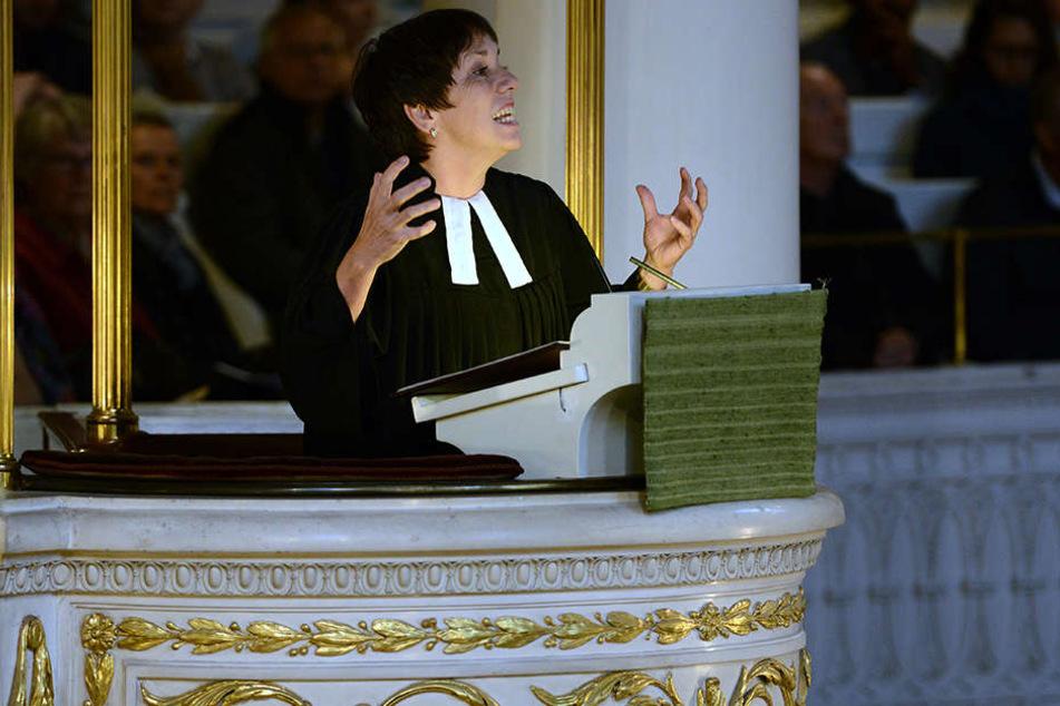 Margot Käßmann kritisierte in der Leipziger Nikolaikirche die verbale Aufrüstung in Deutschland.