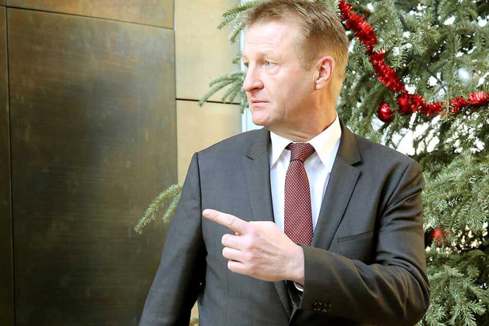 Ralf Jäger (SPD) stellt als Innenminister von NRW ein neues Computersystem zur Verhinderung von Einbrüchen vor.