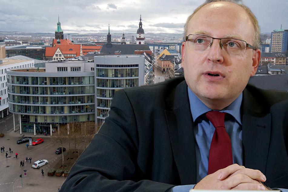 Für vier weitere Bürgerplattformen ist Geld im Haushalt vorgesehen, gab Kämmerer Sven Schulze (45, SPD) bekannt. (Bildmontage)