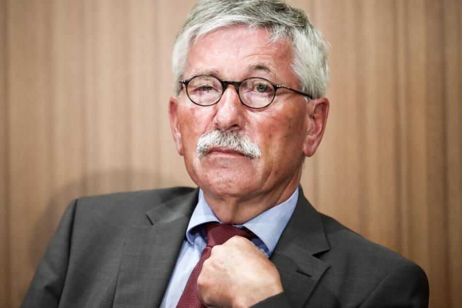 Ende Januar war die Entscheidung der SPD-Landesschiedskommission bekanntgeworden, wonach die SPD Sarrazin wegen parteischädigenden Verhaltens ausschließen darf.