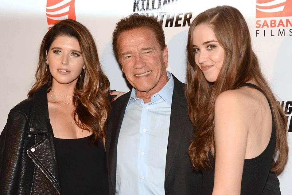 Schwarzenegger umringt von schönen Frauen: seinen Töchtern.