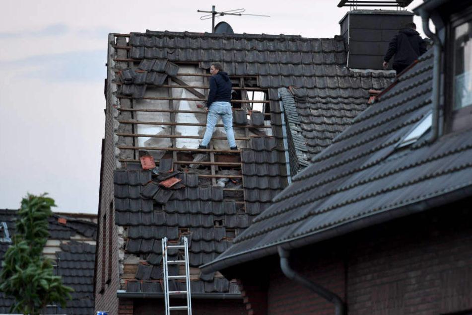 40 bis 50 Häuser sollen durch den Tornado beschädigt worden sein.