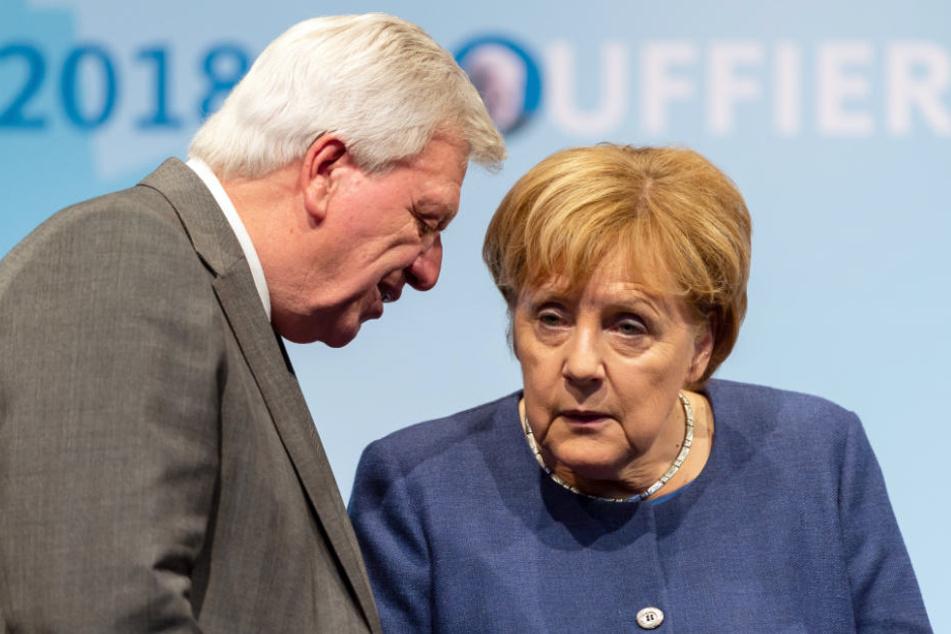 Die CDU-Politiker auf der Bühne einer Wahlkampfveranstaltung.