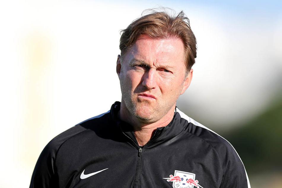 Leipzigs Cheftrainer Ralph Hasenhüttl schaute während dem Spiel nicht gerade optimistisch.