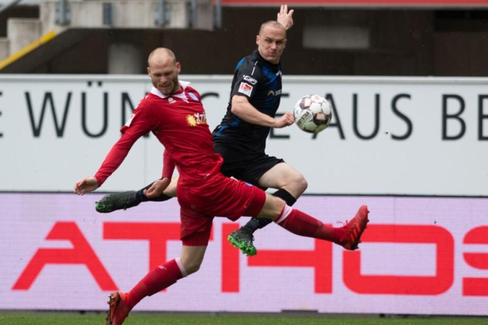 Sven Michel (r.) trumpfte gegen den MSV Duisburg stark auf.