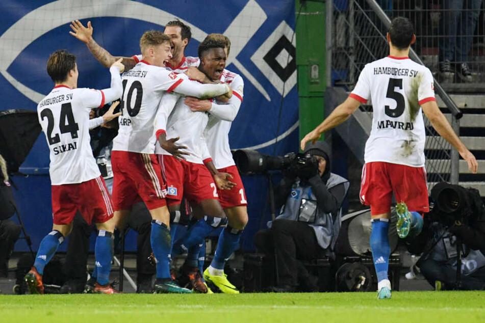 Unter anderem werden die Spieler vom Hamburger SV untersucht.