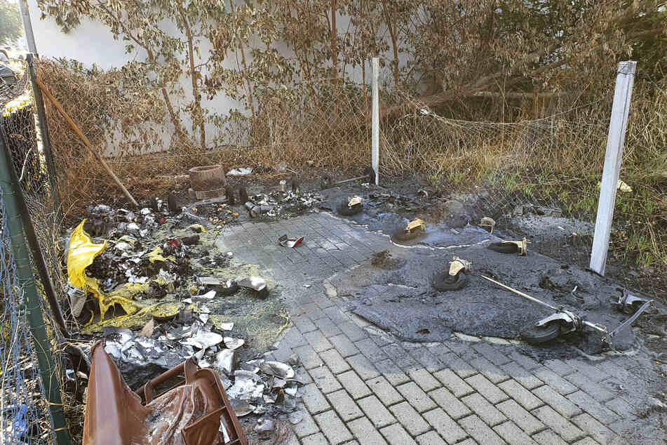 Auch in der Kanalstraße brannten mehrere Mülltonnen.