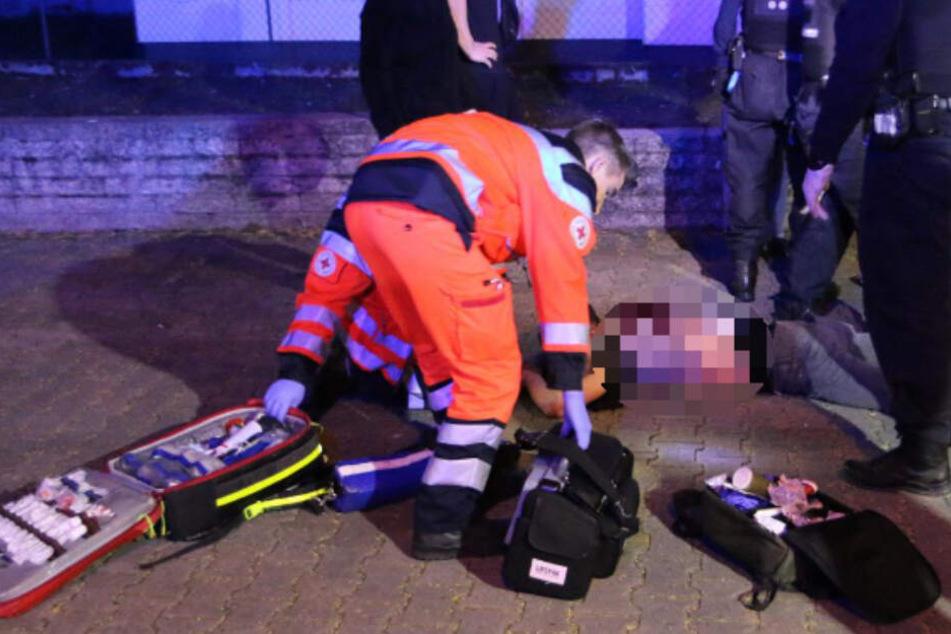Blutige Attacke: Gruppen-Streit endet mit Messer im Rücken!