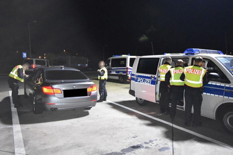 381 Beamte, 1154 Fahrzeuge: Was war an der Grenze zu Polen los?