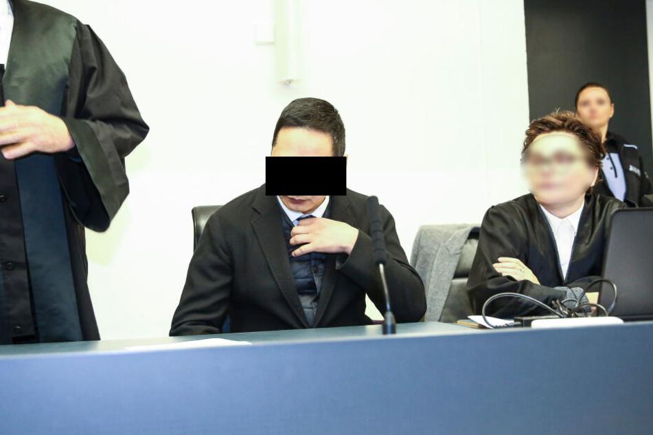 Der Vize-Konsul Battushig B. (40) will im Auftrag des Geheimdienstes mit den 70 Kilo Heroin unterwegs gewesen sein.