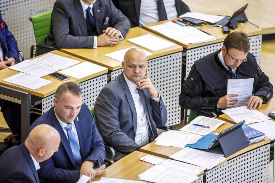 André Wendt (2.v.r.) ist jetzt zweiter Vize des neuen Sächsischen Landtages.