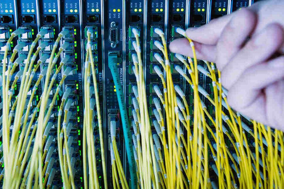 Aufgestockt: Vodafone und Telekom beschleunigen das Internet in Chemnitz.  Rund 66.000 Haushalten hilft's.