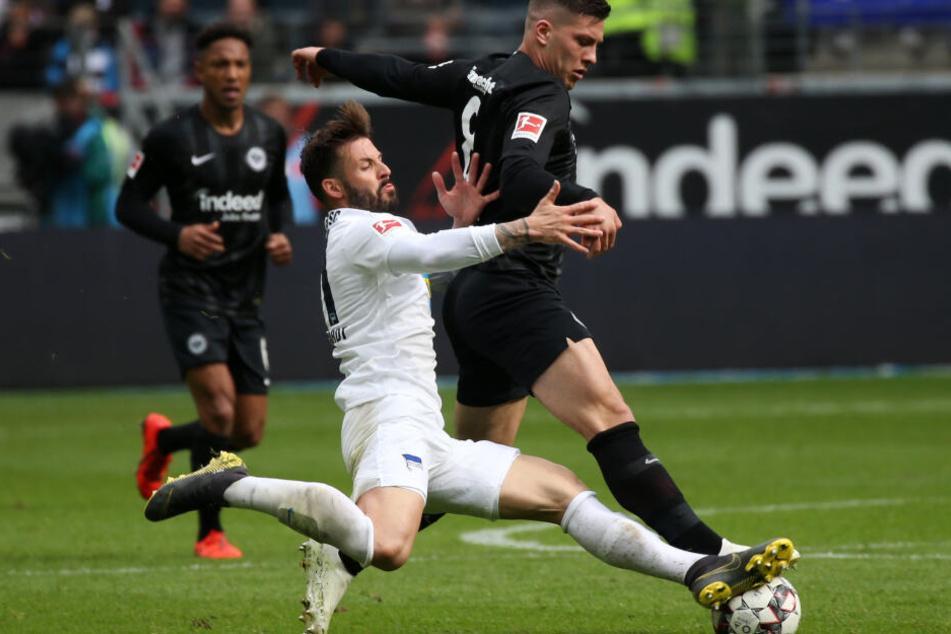 Für Eintrachts Luka Jovic (Re.) und Co. gab es im Heimspiel gegen die Hertha kein Durchkommen.